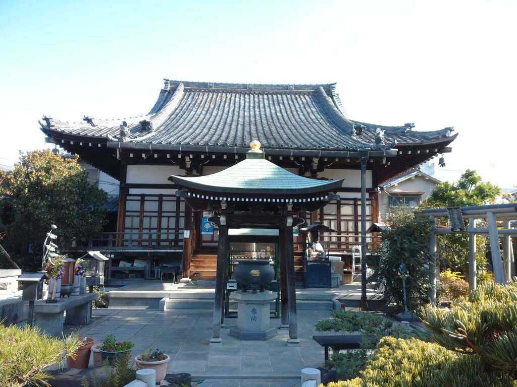 興徳寺の本殿