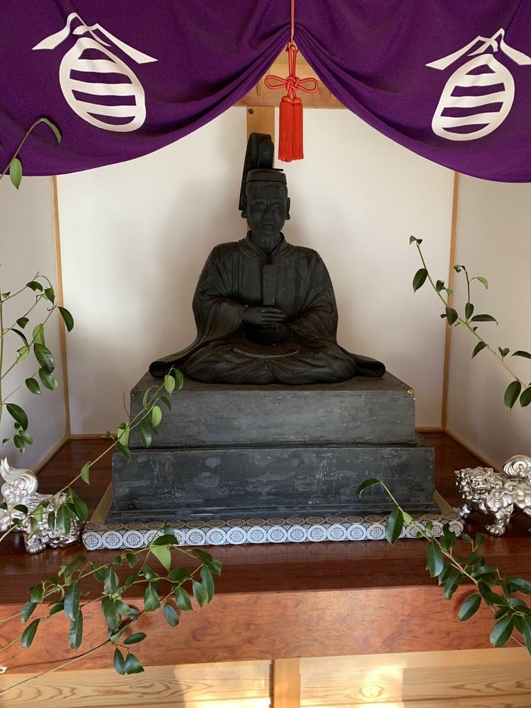 玉野御嶽神社の像
