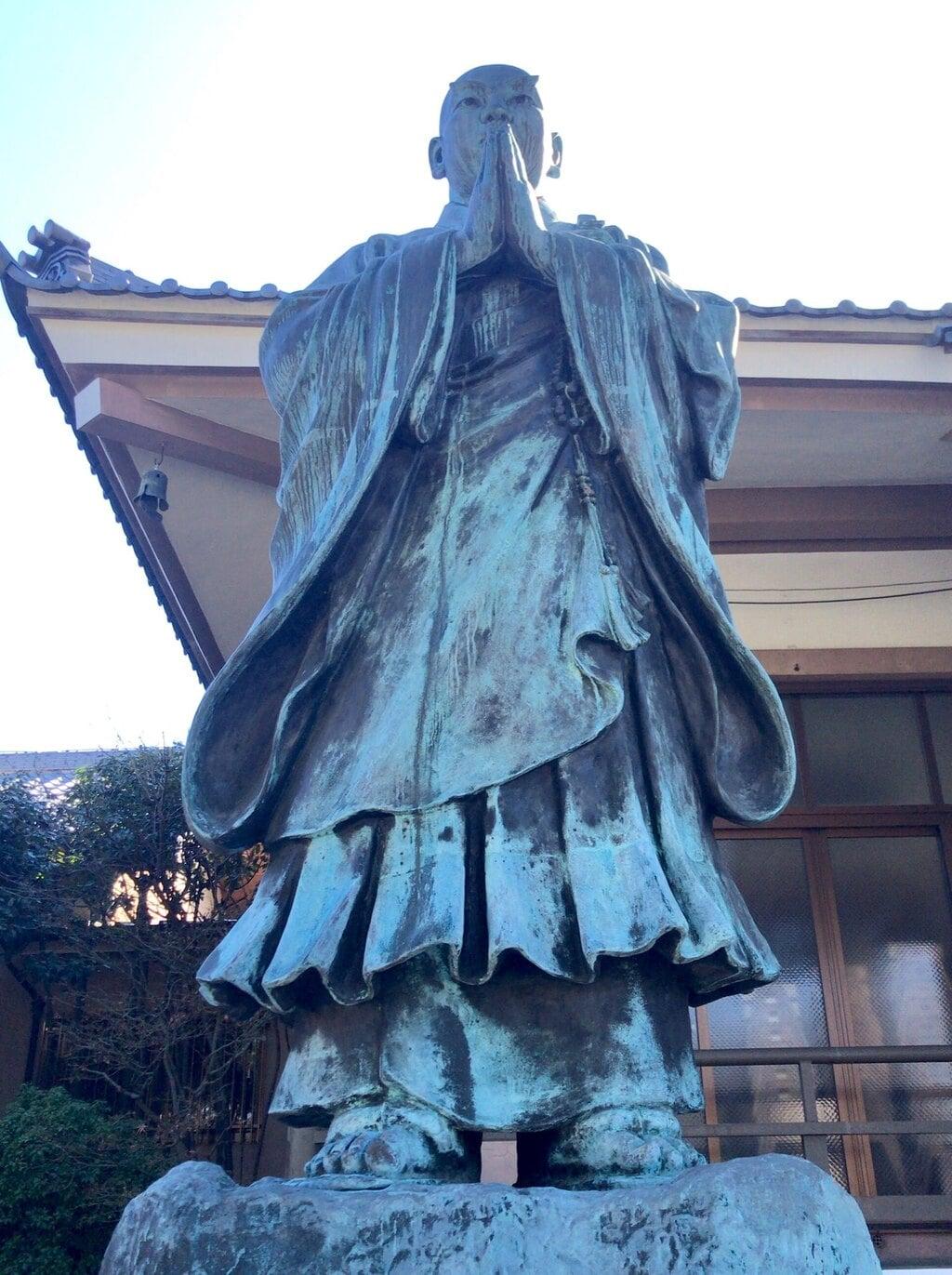 妙光寺の像