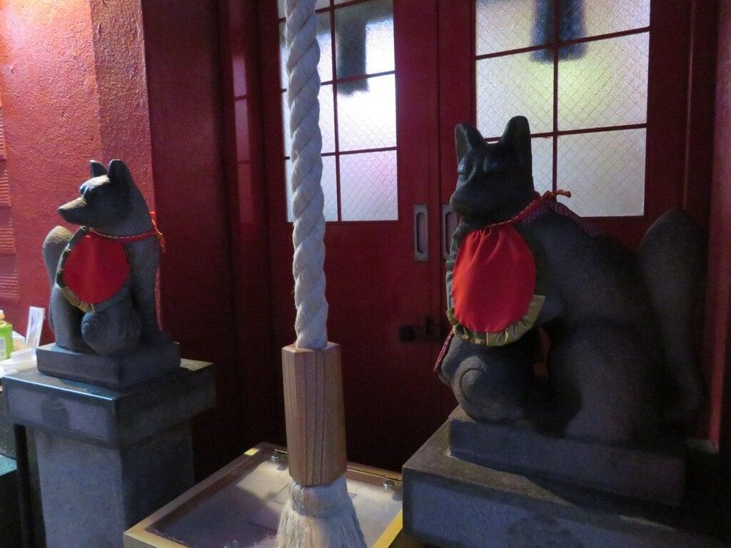 豊岩稲荷神社の本殿