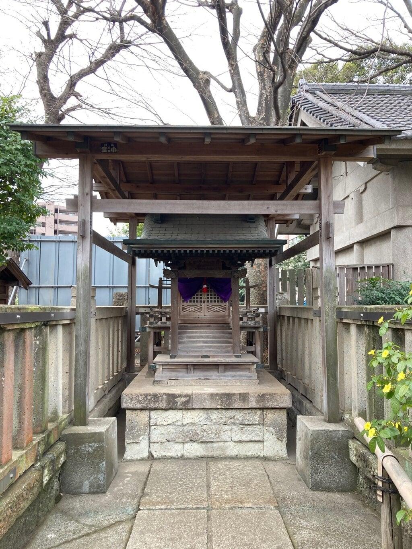 白山神社の末社