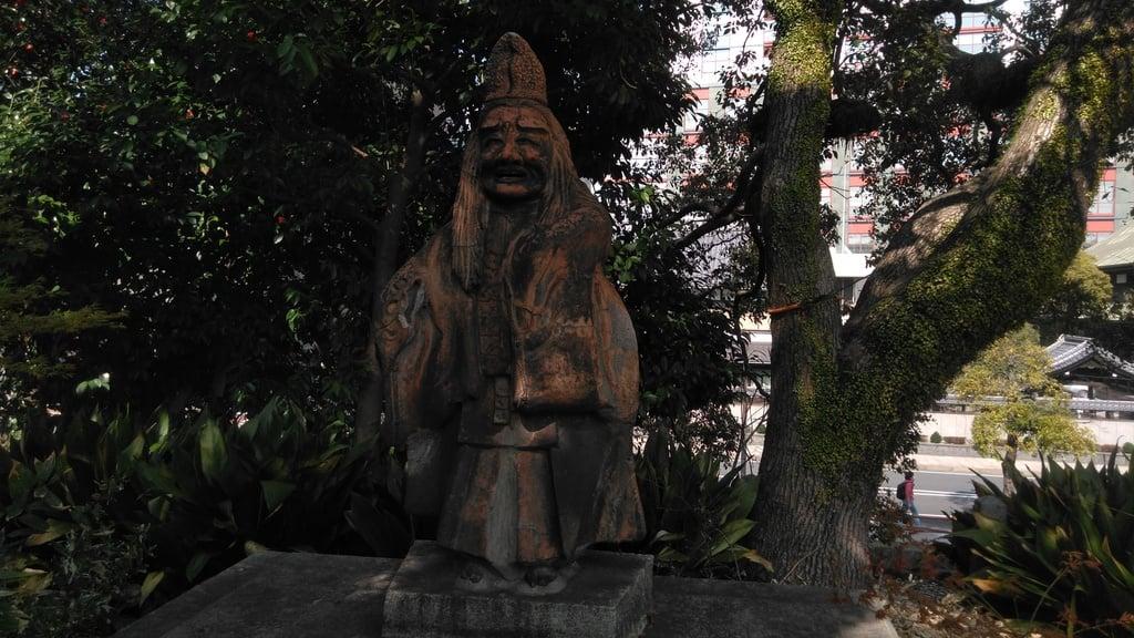 小倉祇園八坂神社の像