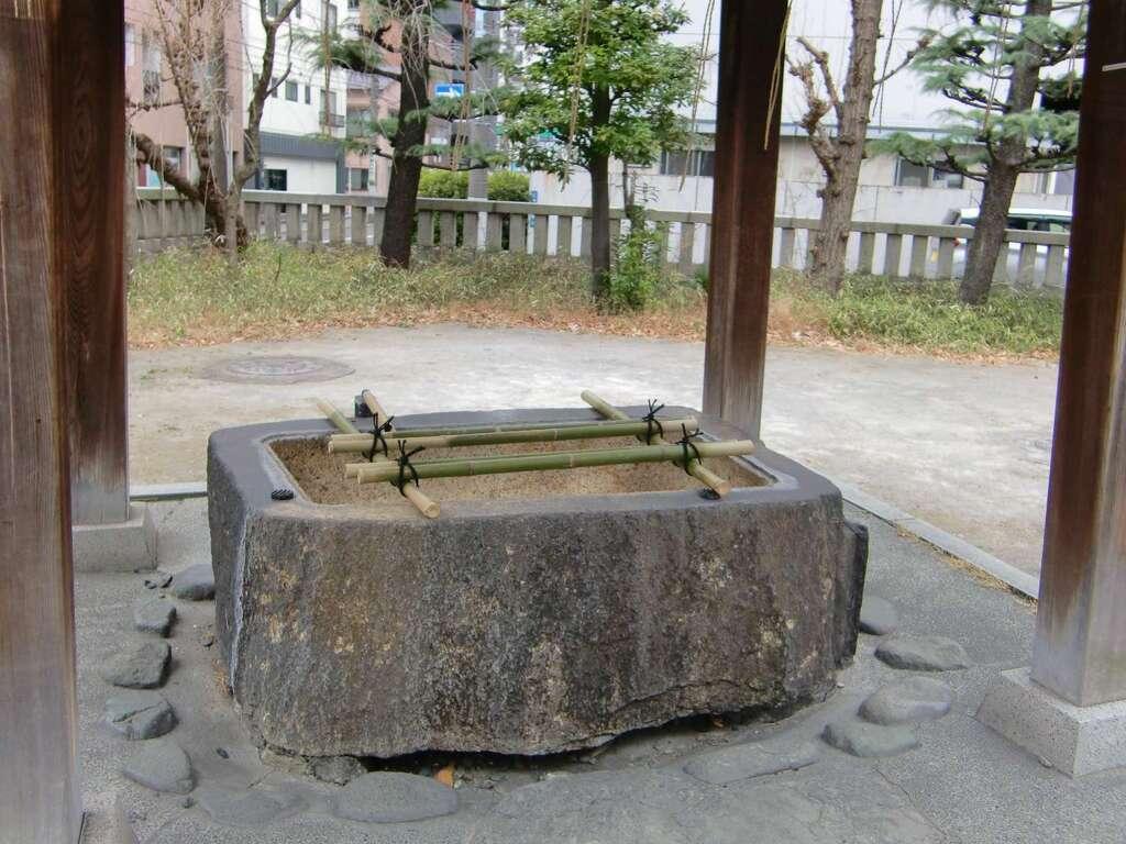 千束稲荷神社の手水