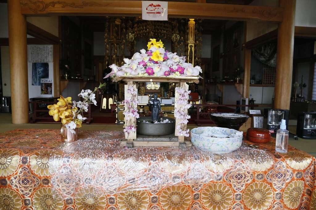 法話と天井絵の寺 觀音寺の建物その他