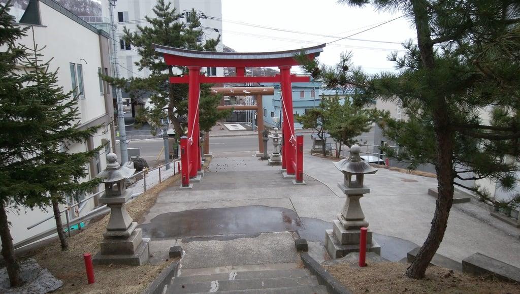 神恵内嚴島神社の鳥居