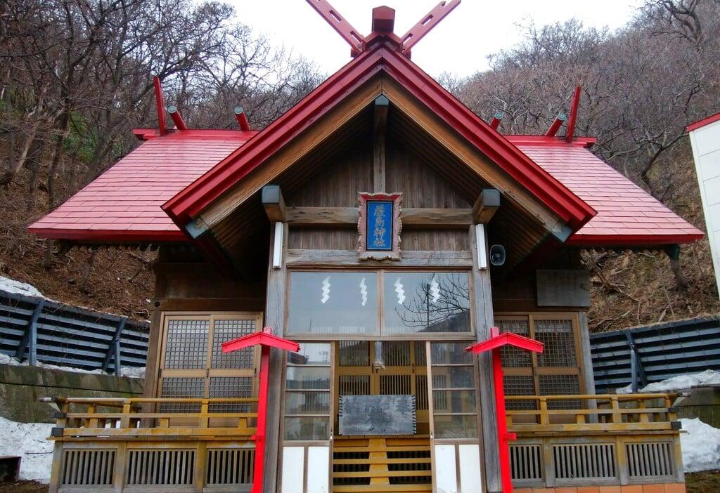 神恵内嚴島神社の本殿