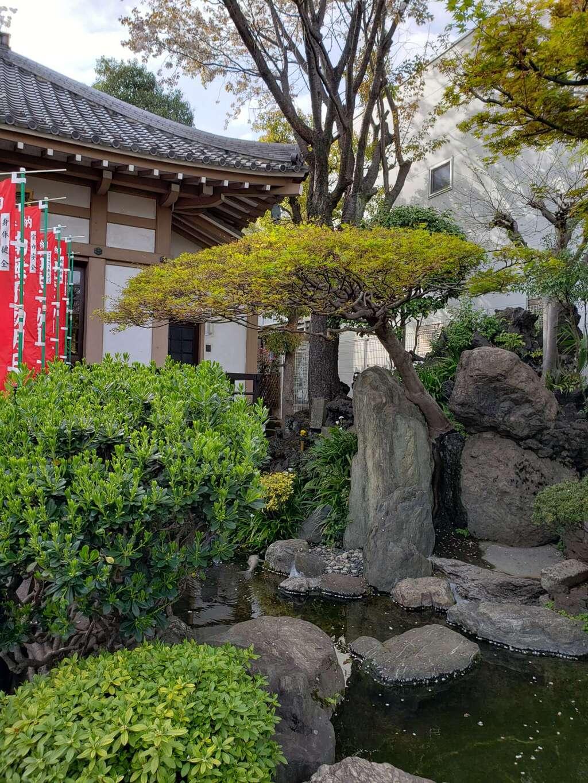 東光寺別院桜ヶ池不動院の庭園