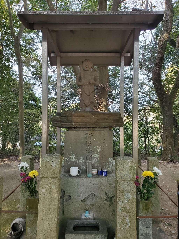 大宮八幡宮の像
