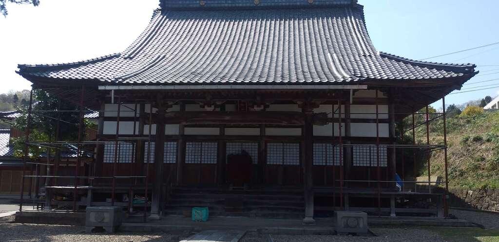 中道院の本殿
