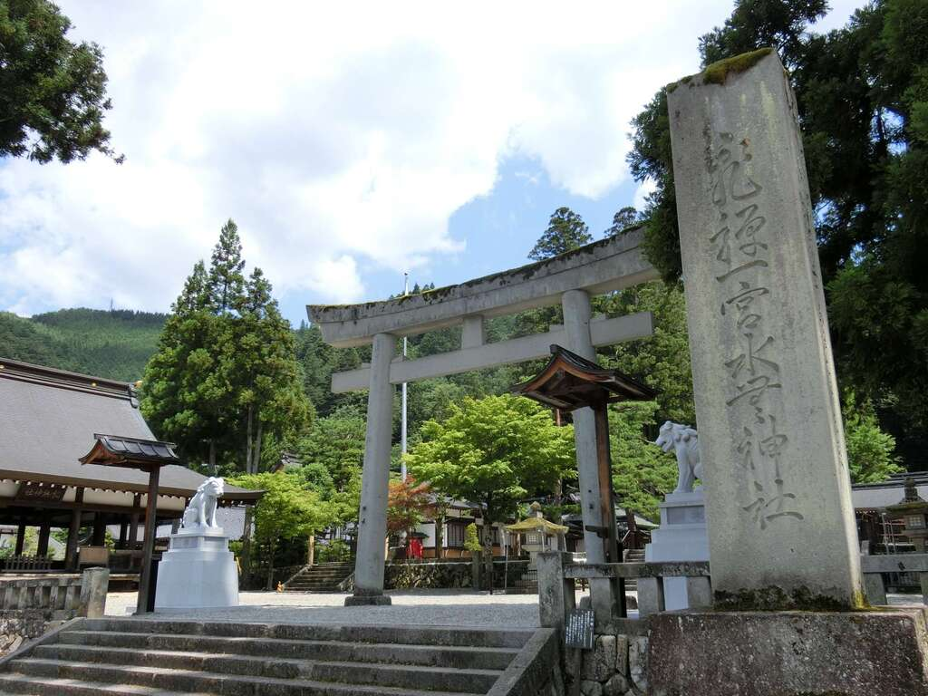飛騨一宮水無神社(岐阜県)