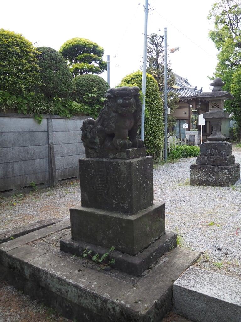 六月八幡神社の狛犬