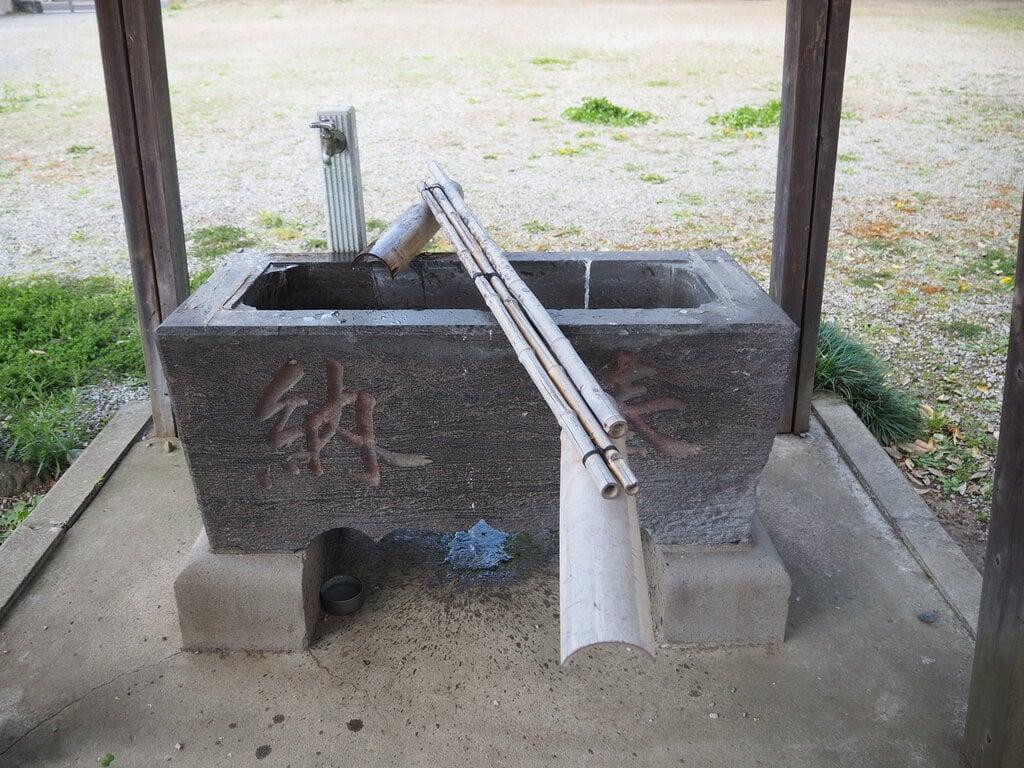 六月八幡神社の手水