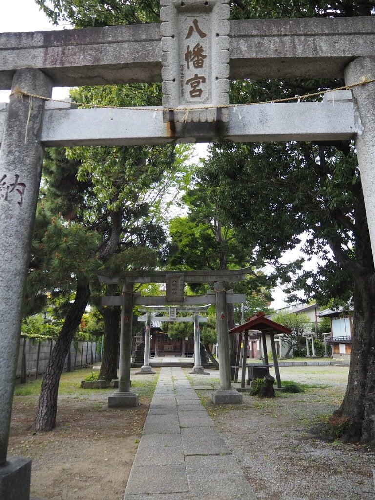 六月八幡神社の建物その他