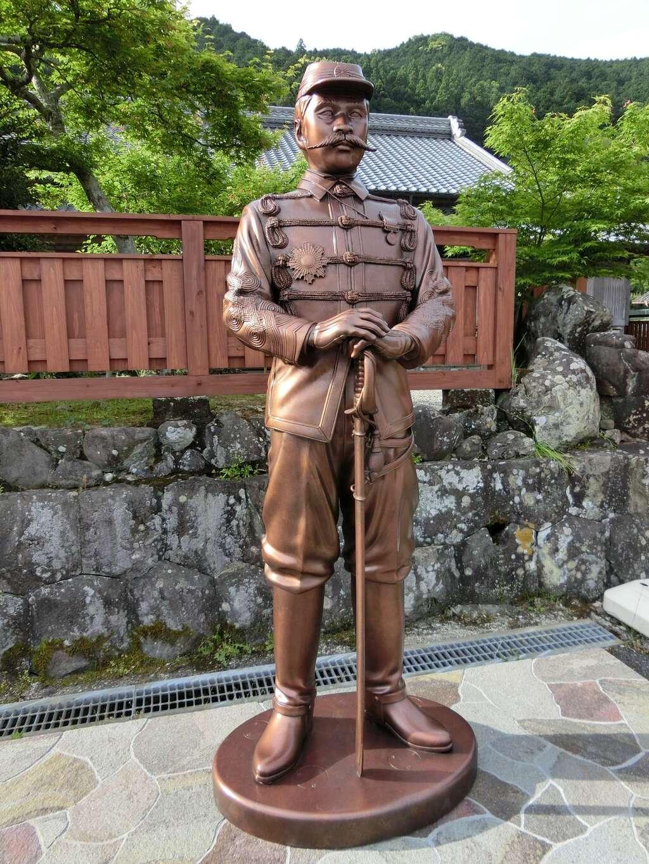 岩本寺の像