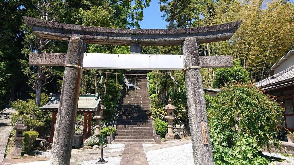 居神神社の鳥居