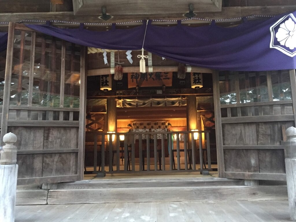 御穂神社の本殿