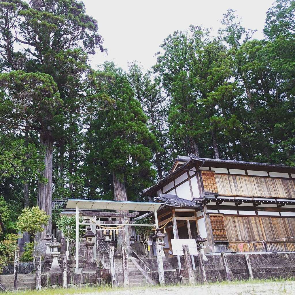 田瀬神社の建物その他