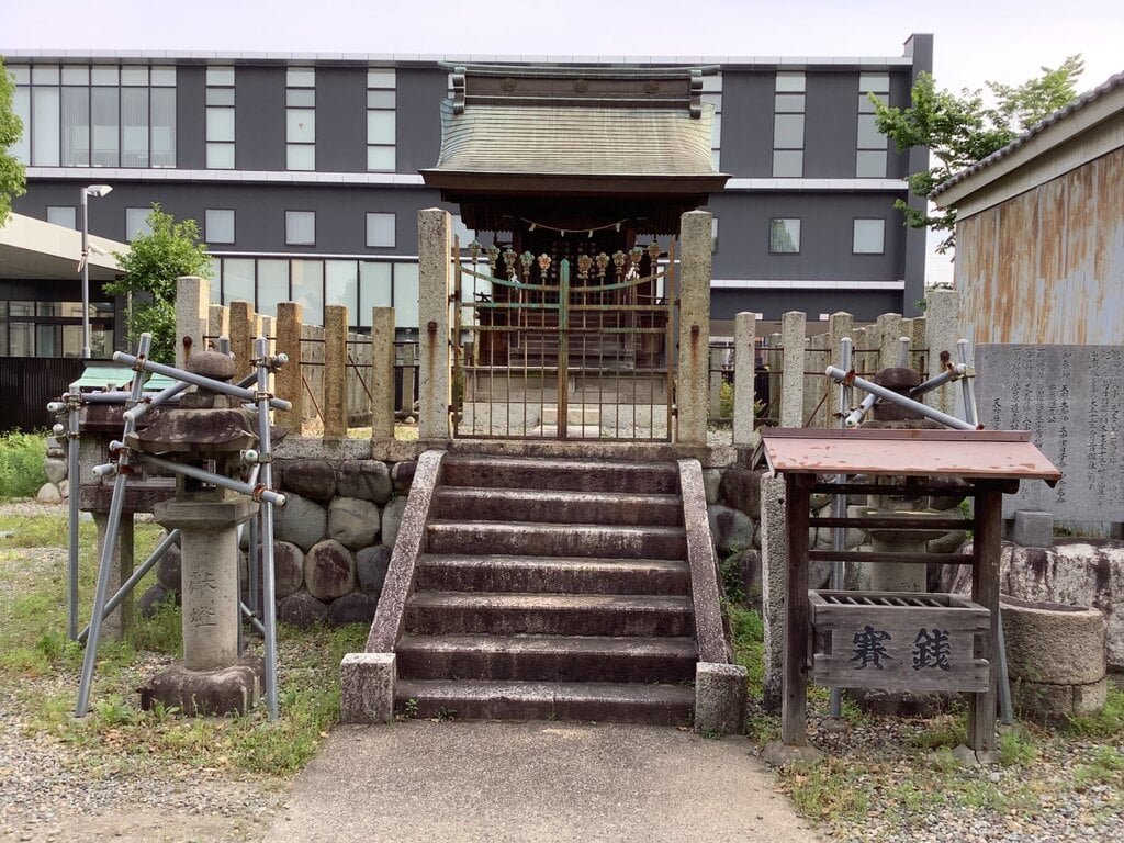 天神社(余坂天神社)の本殿