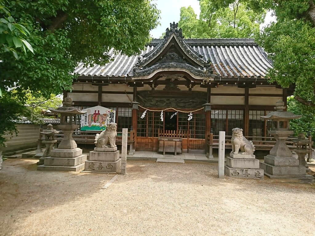 式内楯原神社の本殿