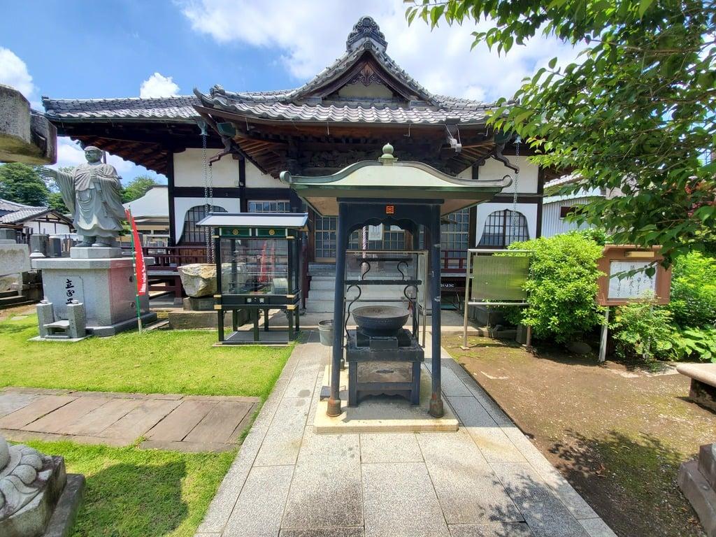 妙建寺の本殿