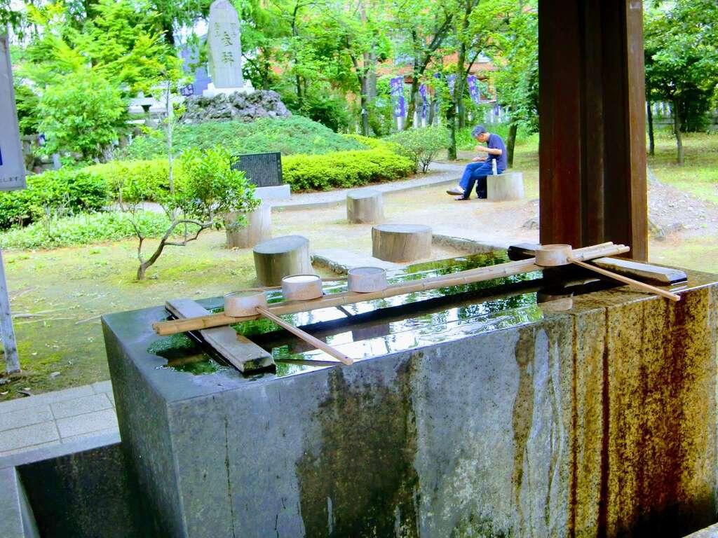 川口神社の手水