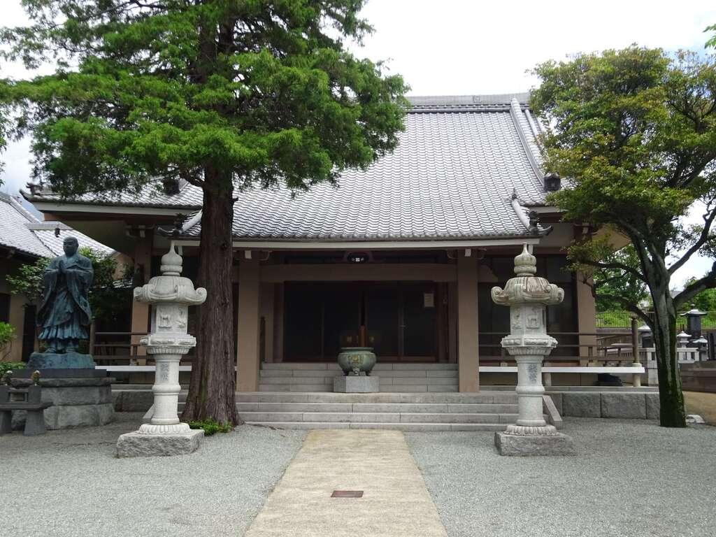 妙光寺の本殿