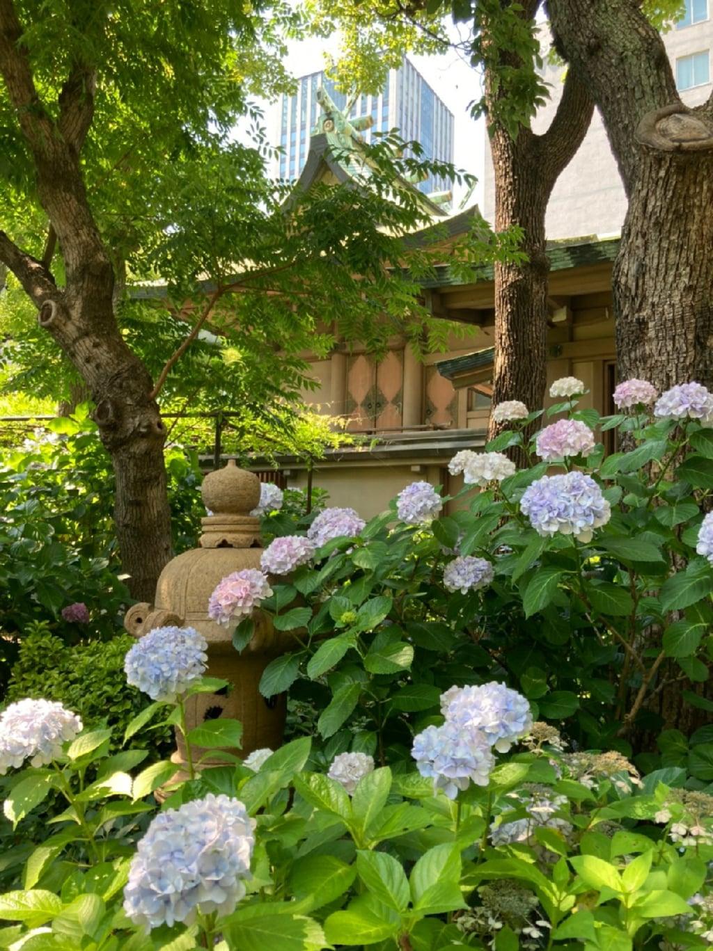 坐摩神社の庭園