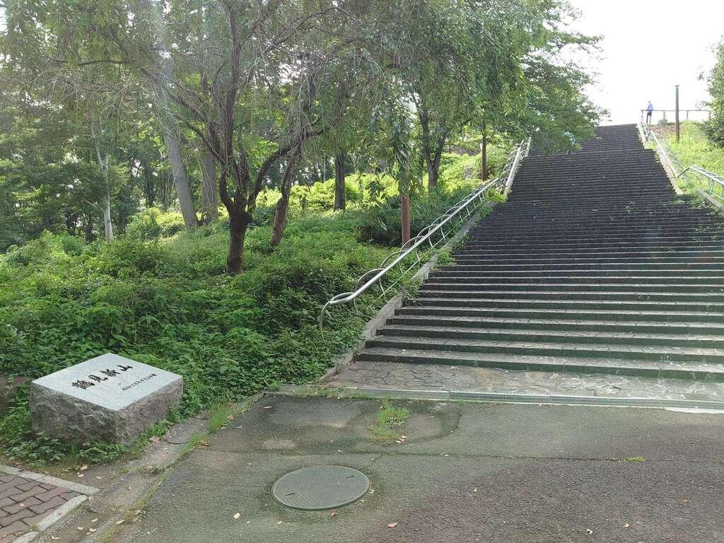 鶴見神社の周辺