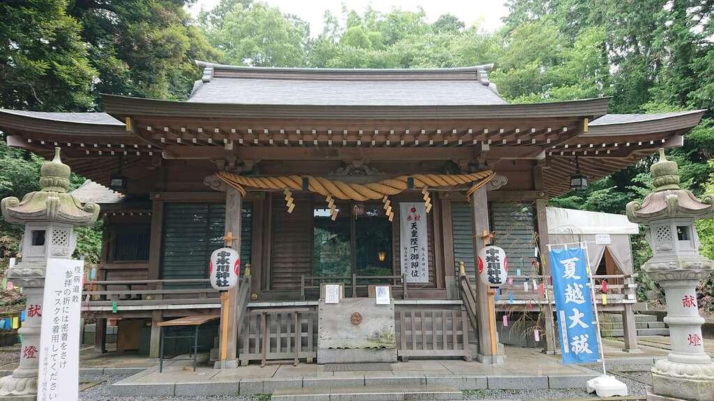 中氷川神社の本殿