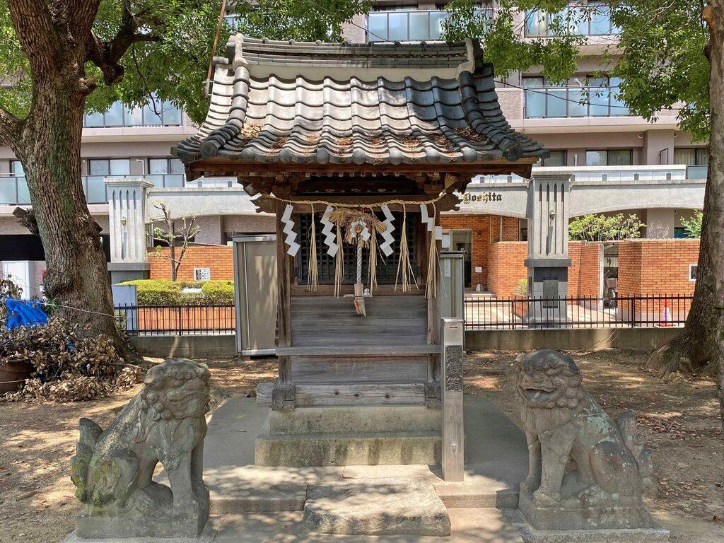 大津神社の末社