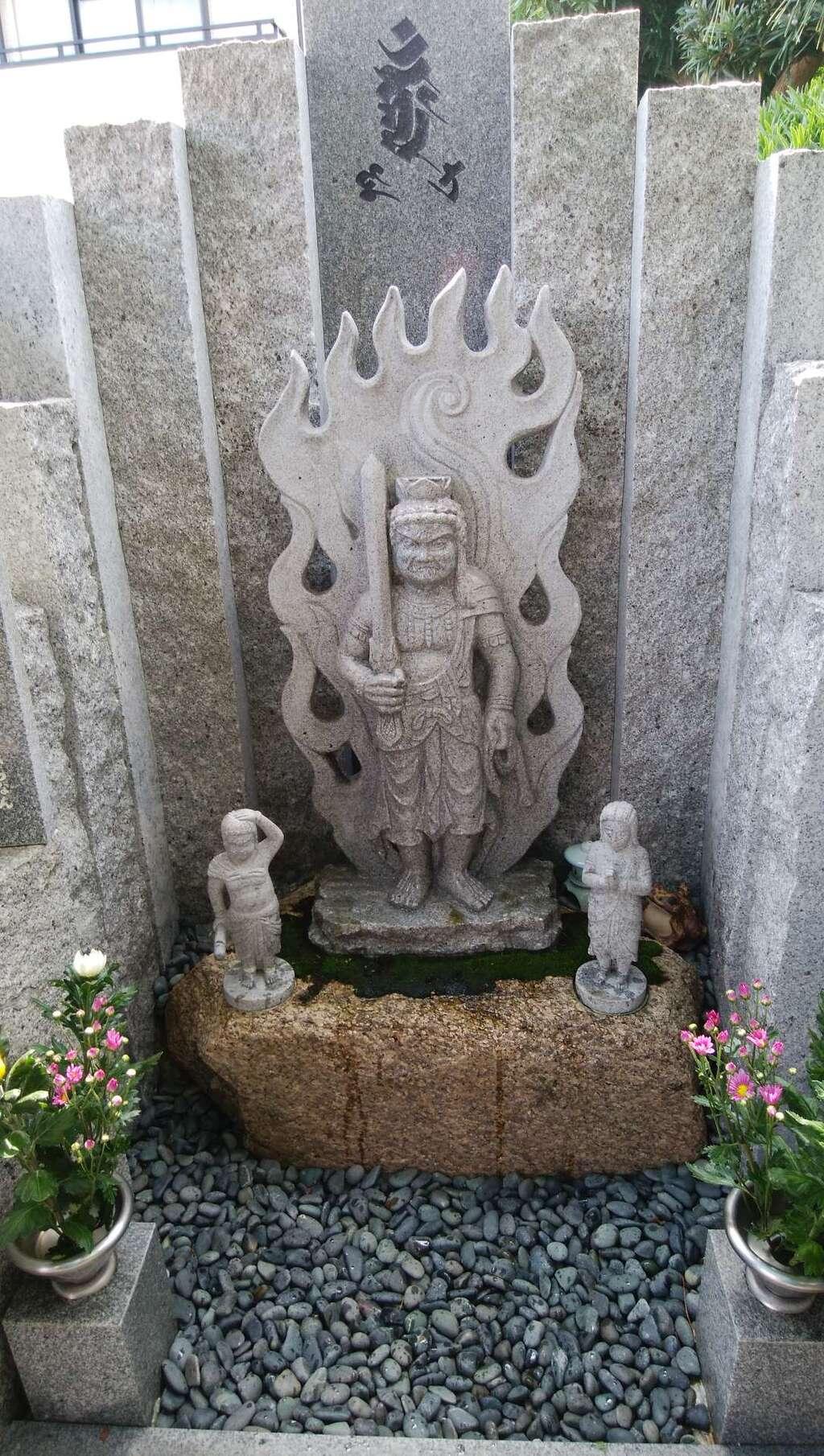 神光寺(あびこ行者堂)の像